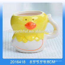 Dekorative Keramik Mousse Tasse mit Hühnchen Form für Großhandel