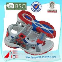 Монстр национальной спортивной обуви с человеком-пауком