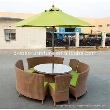 Round dining table with middle pole umbrella