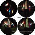 Las pulseras LED Slap brillan en la oscuridad