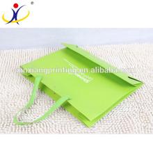 Papier de sac à provisions d'usine de logo de la Chine adapté aux besoins du client, sac à provisions de papier fait sur commande, sac à provisions de papier de luxe