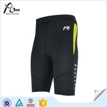 Le fabricant d'habillement d'athlétisme adaptent les shorts fonctionnants de compression