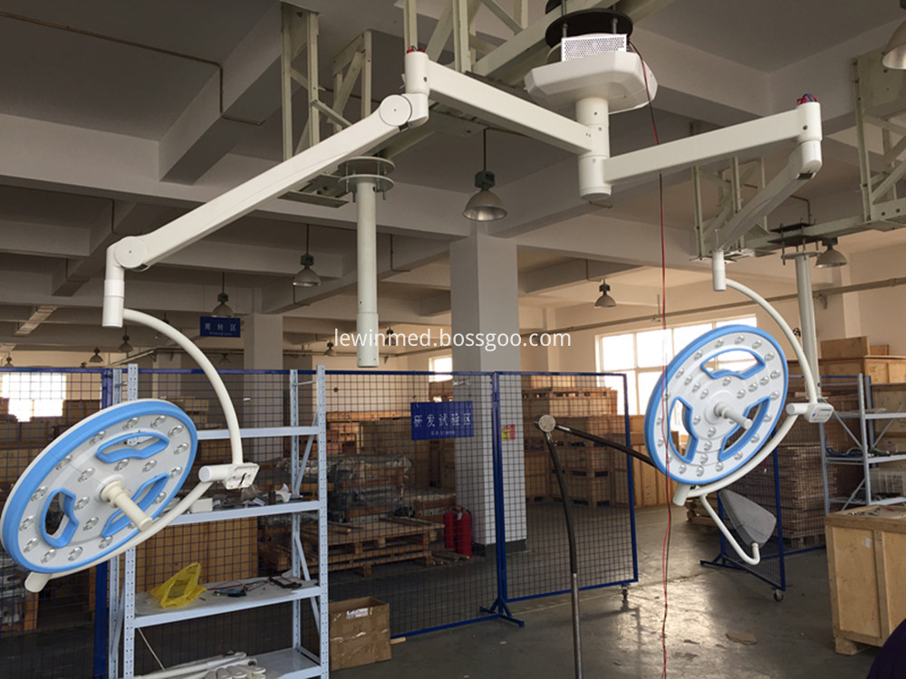Hollow surgical equipment lamp