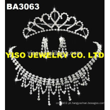 Lindo conjunto de colar tradicional