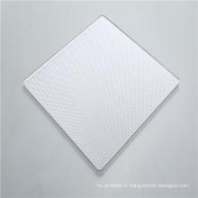 Feuille solide de polycarbonate prismatique à diffusion lumineuse élevée
