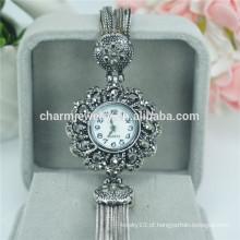 Especialmente concebido elegante luxo quartzo liga Digital relógios de pulso para as mulheres B030
