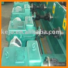 Machine de formage de rouleaux de garde-corps de barre d'acier galvanisé à chaud