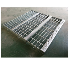 Stair step treads hdg steel grating  used for industrial ladders