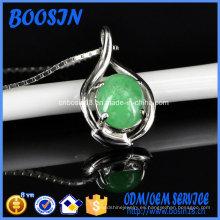 Elegante collar con colgante de bandeja de plata con deseos de jade chino