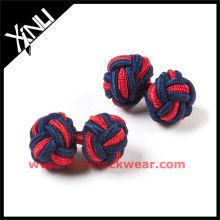 Botão de punho de nó de seda cruzado vermelho marinho em nó