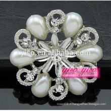 Broche en diamant design florale