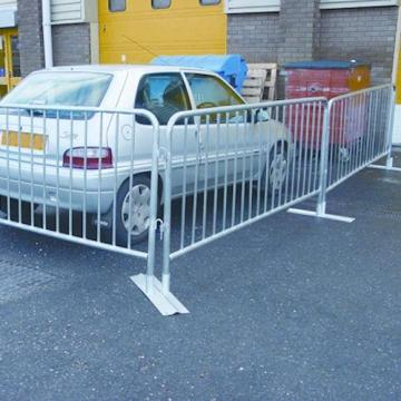 Galvanized Traffic Parking Road Safety Crowd Control Barrier