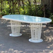 Белый ротанг открытый стол со стеклянной столешницей