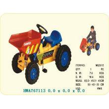 Carro plástico do pedal para miúdos