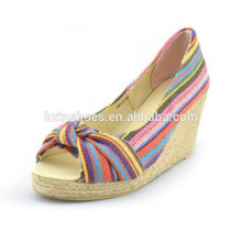 Полотна ткани национальные туфли ветра ветра пальца ноги туфли на высоком каблуке платформы туфли на высоком каблуке