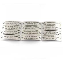 Выгравированные ювелирные изделия Метки Пользовательские штампованные Вдохновенные поговорки Металлические брелоки для кожаного браслета