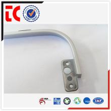 China famoso aluminio piezas de fundición / adc12 aluminio pieza de fundición / blanco pintado displayer marco de apoyo