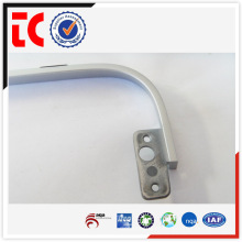 China famoso alumínio die casting parts / adc12 alumínio casting parte / branco pintado displayer apoio frame