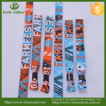 Popular poliéster bordado personalizado wristband paño