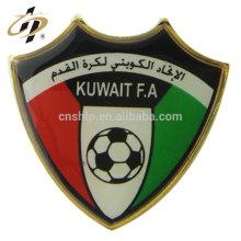 Badge de bouton en métal émail doux personnalisé Koweit FA pour cadeau souvenir