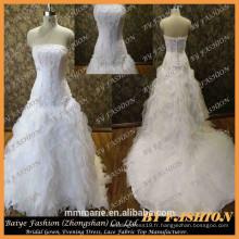 Alibaba nuptiale Robe de mariée taille grande avec long train Robe de mariée de luxe Vente designer Robes de mariée sans bretelles