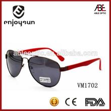Женская модель Италия дизайн ce металлические солнцезащитные очки с красным храмом