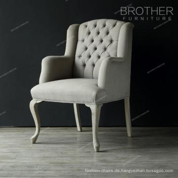 Einfacher moderner klassischer europäischer Stoff, der französischen Stuhl tuftet