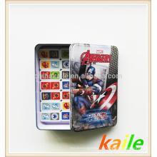 Тема-американским картонным героем домино в жестяной коробке