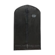 Черная сумка для одежды PEVA
