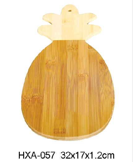bamboo cutting board with pineapple shape