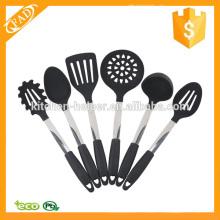 Diseño de moda de silicona utensilios de cocina conjunto de herramientas