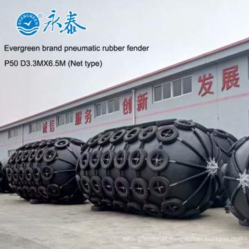 Pára-choque de borracha pneumático de 50kpa D3.3MXL6.5Mmarine para navios com a rede chain do pneu