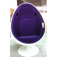 Chaise Clinique Egg de dents blanches