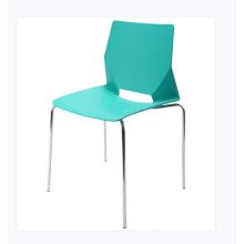 Chaise en plastique de siège de polypropylène de prix bon marché moderne avec cadre en acier