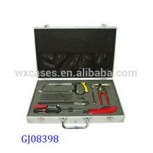 caja de herramientas de aluminio fuerte y portátil con inserto de espuma personalizadas dentro de China