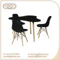 silla plástica del partido al por mayor del enemigo con la pierna de madera