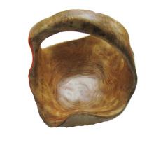 Antike Primitive geschnitzte natürliche hölzerne Schüssel mit Griff