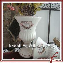 Цветочный горшок с керамическим садом