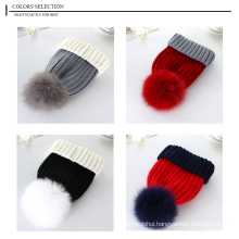 Factory wholesale two tones fox fur pom acrylic cuffed knitted hat
