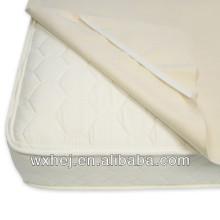 O ácaro anti-poeira e o colchão à prova d'água protegem as capas