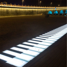 LED Interactive Piano Lights im Freien