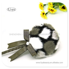 Long Hair Cosmetic Puff With Bowknot Handle