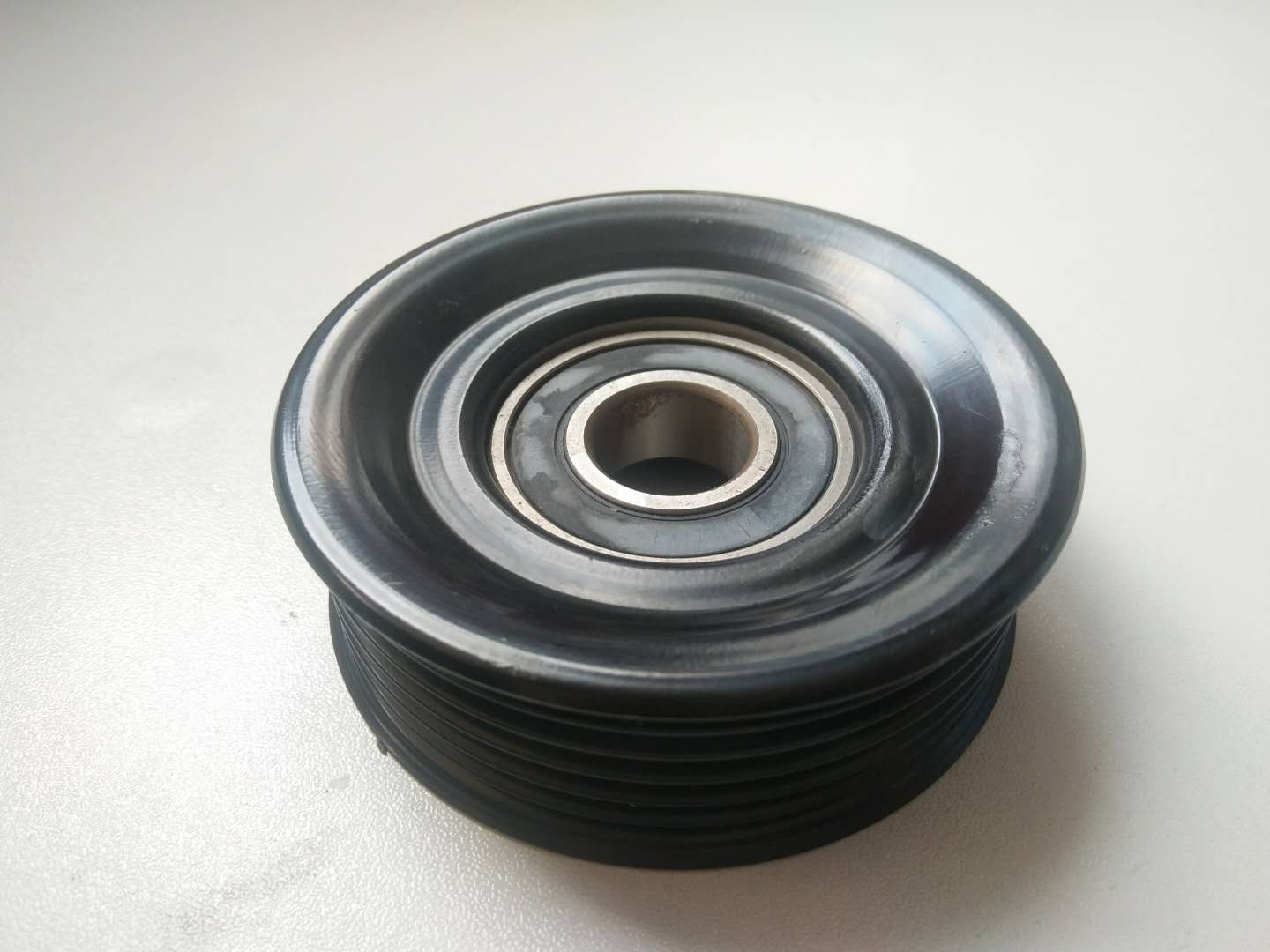 multi tribbed tensioner pulley