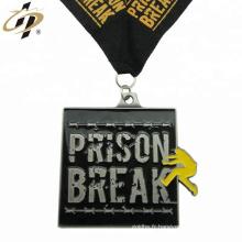 Médaille de défi de sport de conception de relief en argent antique de promotion