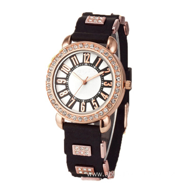 2017 ladies Fashion wrist bracelet quartz watch
