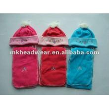 Ensemble mignon de chapeau polaire et écharpe pour enfants