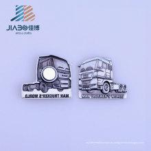 Insignia personalizada del Pin del imán de hierro de la forma del tractor