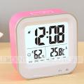 Wiederaufladbare LCD Digitaluhr mit Temperatur und Feuchtigkeit