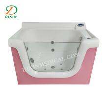 Equipamento de segurança para banho de bebê em hospitais