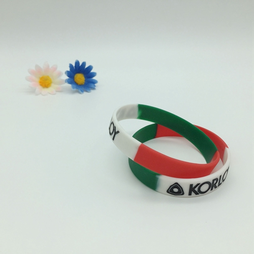 Segmented silicone wristbands